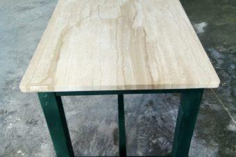 Mesa mármol patas madera